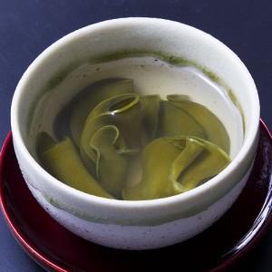 フコイダンやミネラルをたっぷり含んだとろみが体にやさしいお茶です。
