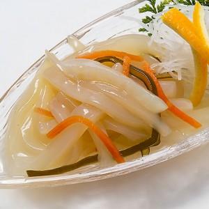 函館名物「イカ刺し」風で、イカ好きにはたまらない松前漬けです。